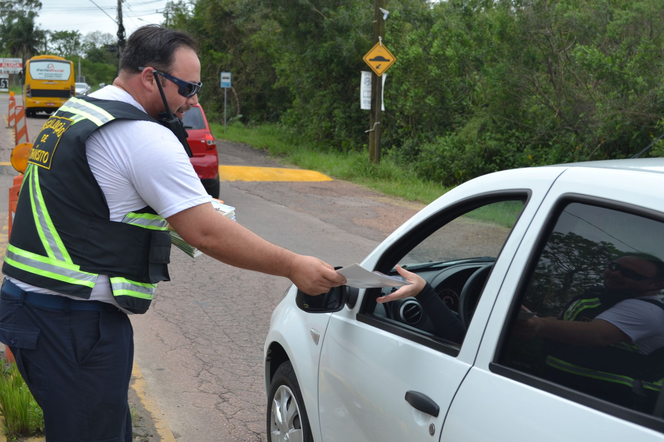 Noticia smtti-realiza-acao-de-educacao-no-transito-